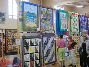 quilt show small quilts